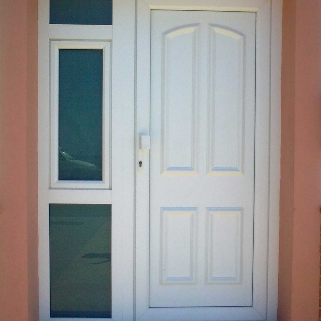 Puertas de seguridad de pvc juan verd n s l - Puertas exterior malaga ...
